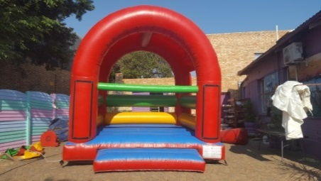 Jumping Castle with roof #155
