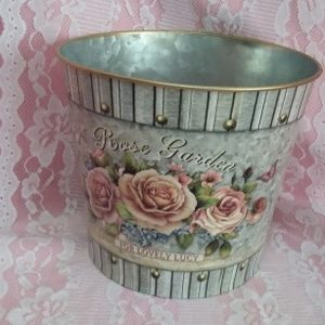 Vintage Table Decor Tin Buckets #1